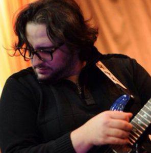 استاد-ماکان-حافظی-آموزشگاه-موسیقی-هیوا-شرق-تهران