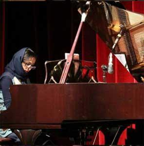 سارا-برزگر-آموزش-پيانو-کلاسیک-ايرانى-اساتید-آموزشگاه-موسیقی-هیوا